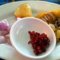 カオソーイの麺薬味