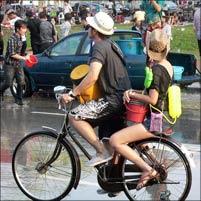 現代のソンクラーン祭り