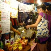タイのチェンマイへ旅行するならお勧め観光スポット!ナイトバザールへ行こう1