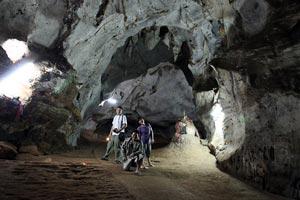 プラットムァンオン洞窟寺院歴史