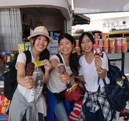 シャンバラ祭り 女性3人